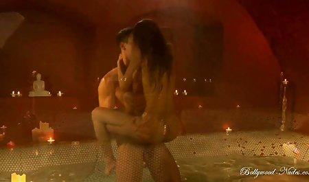 Le Busty mom Jesse xxx video hot jepang poni Jett ciuman dengan Jojo