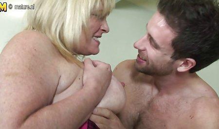 Lucu cewek seksi di stoking porn jepang mencintainya biru Dildo